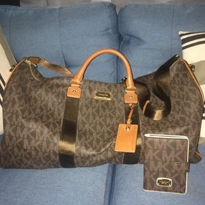 Michael Kors travel set